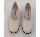 "Brooke by Van dal ""Levina"" court shoe Cream Size: 4.5"