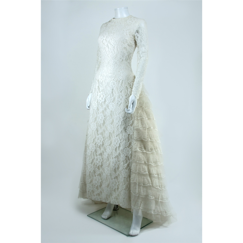 Vintage C. 1970\'s Unbranded Size 8 Lace Wedding Dress with Tiered ...