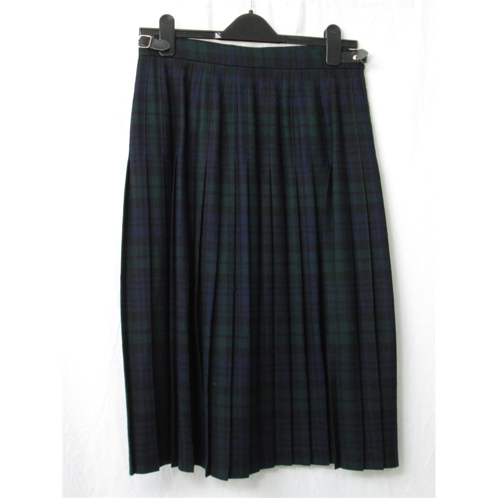 e7e04b4d77 Highland Home Industries - Size: 14 - Green / blue Tartan- Calf length ...