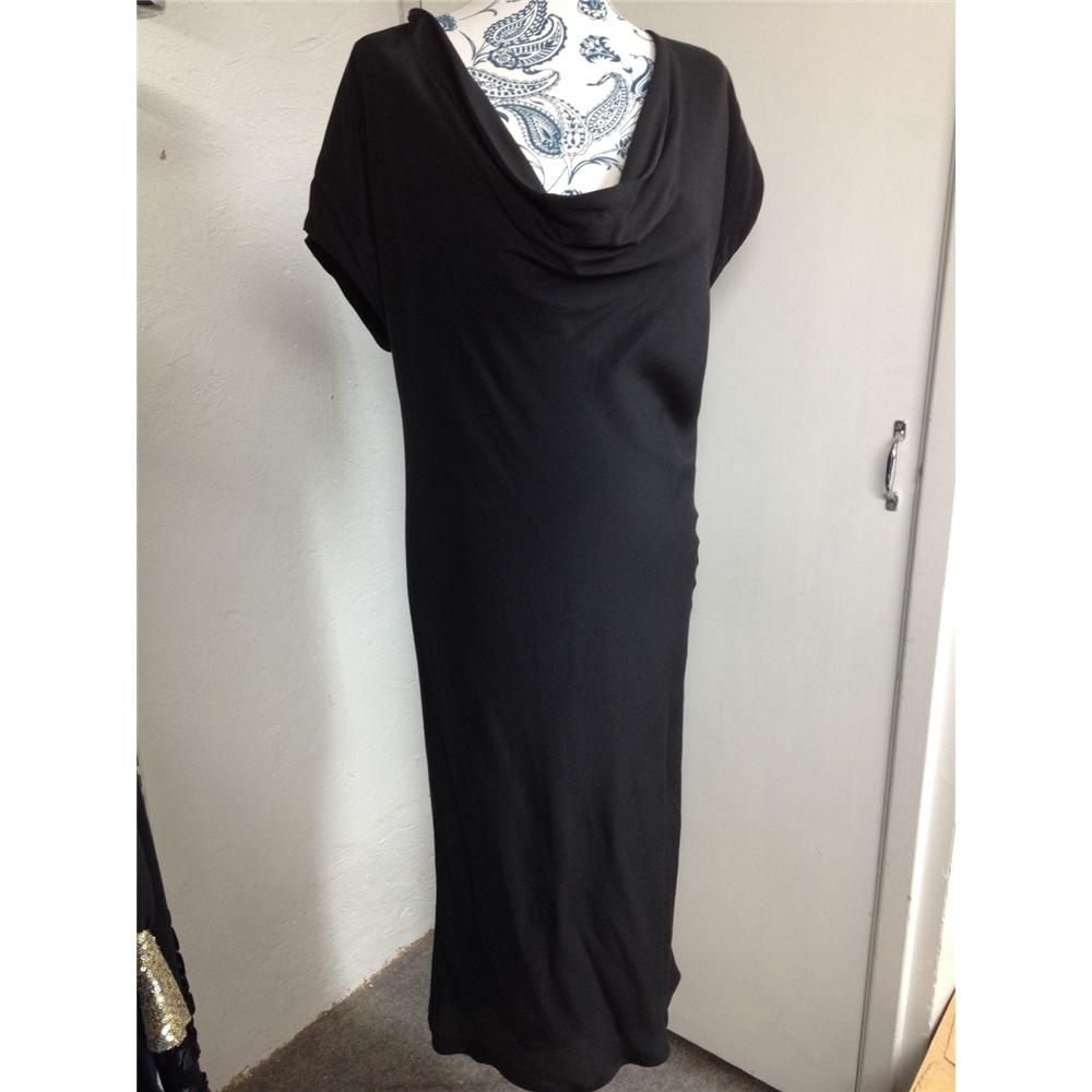 b835ce27a90 Gucci black silk dress size 44 16
