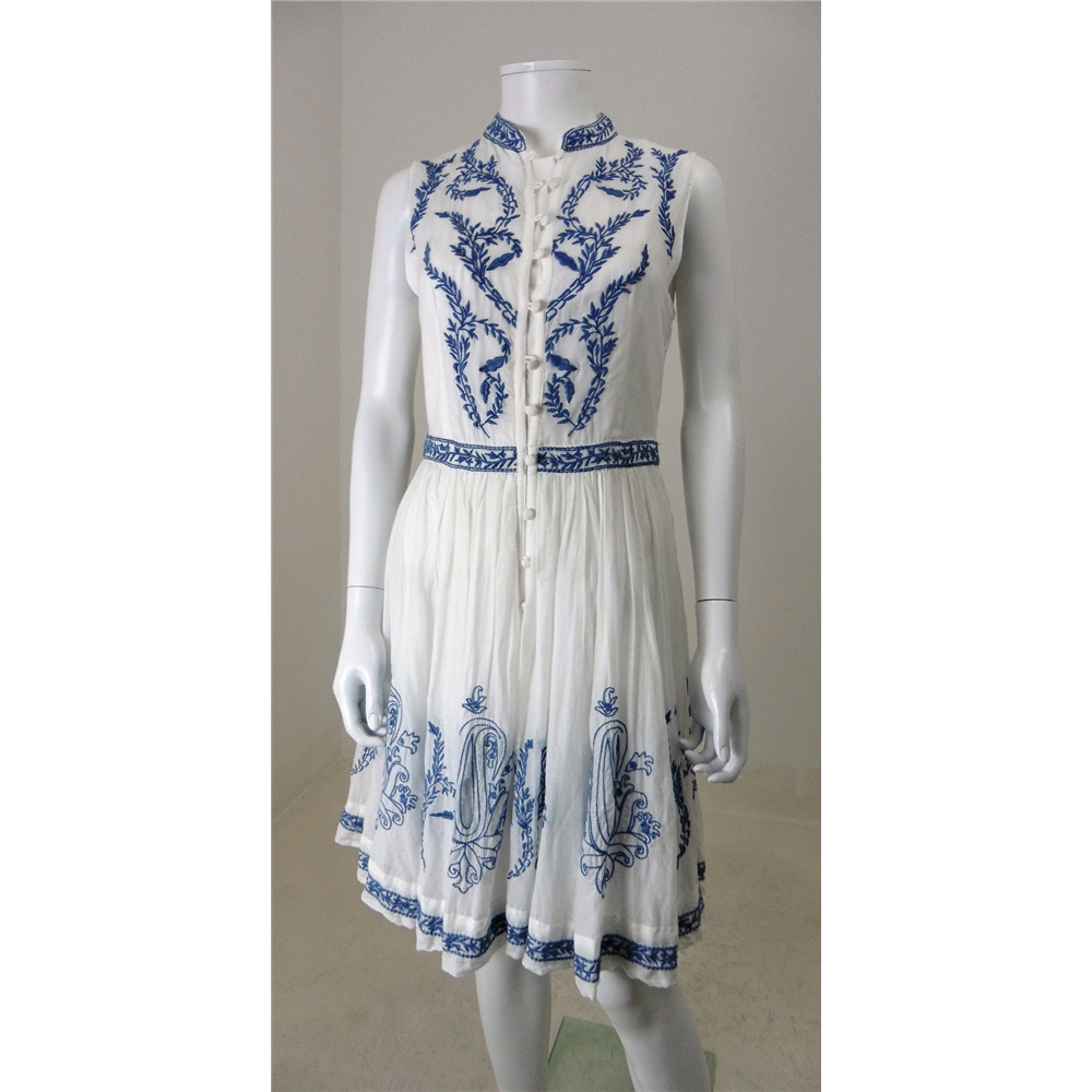 a709c4ca7d Alice By Temperley Size 12 White And Porcelain Blue Embroidered Summer Dress