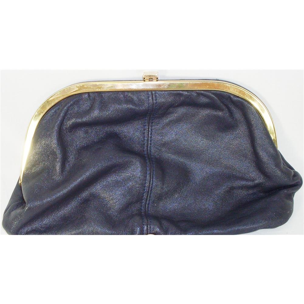 5868a04f9abf Vintage Salisbury black leather clutch bag