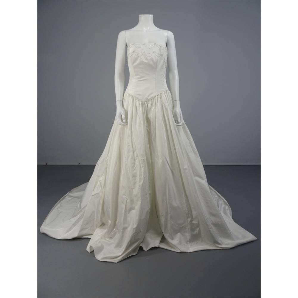 tiffany wedding dress - Local Classifieds | Preloved
