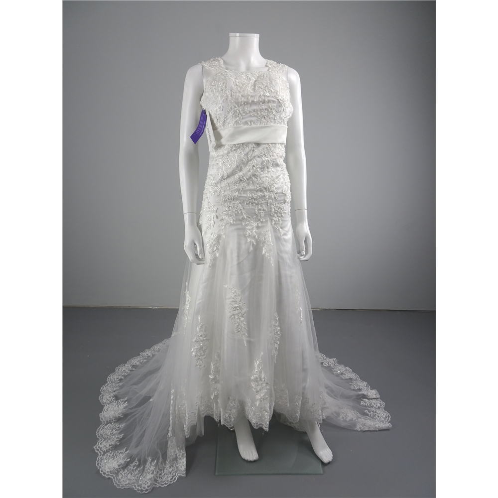 BNWT Kiss Dresses Size 8 White Wedding Dress With Lace ...