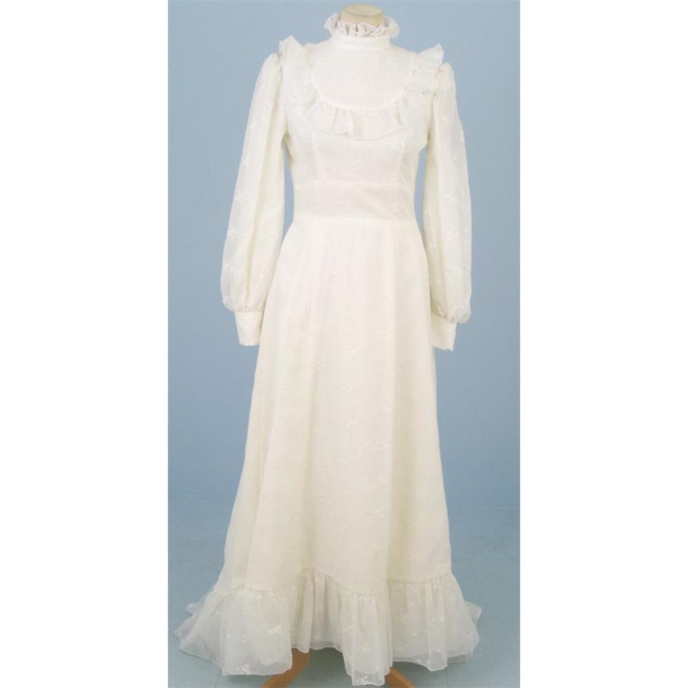 Vintage Size S Cream Wedding Dress