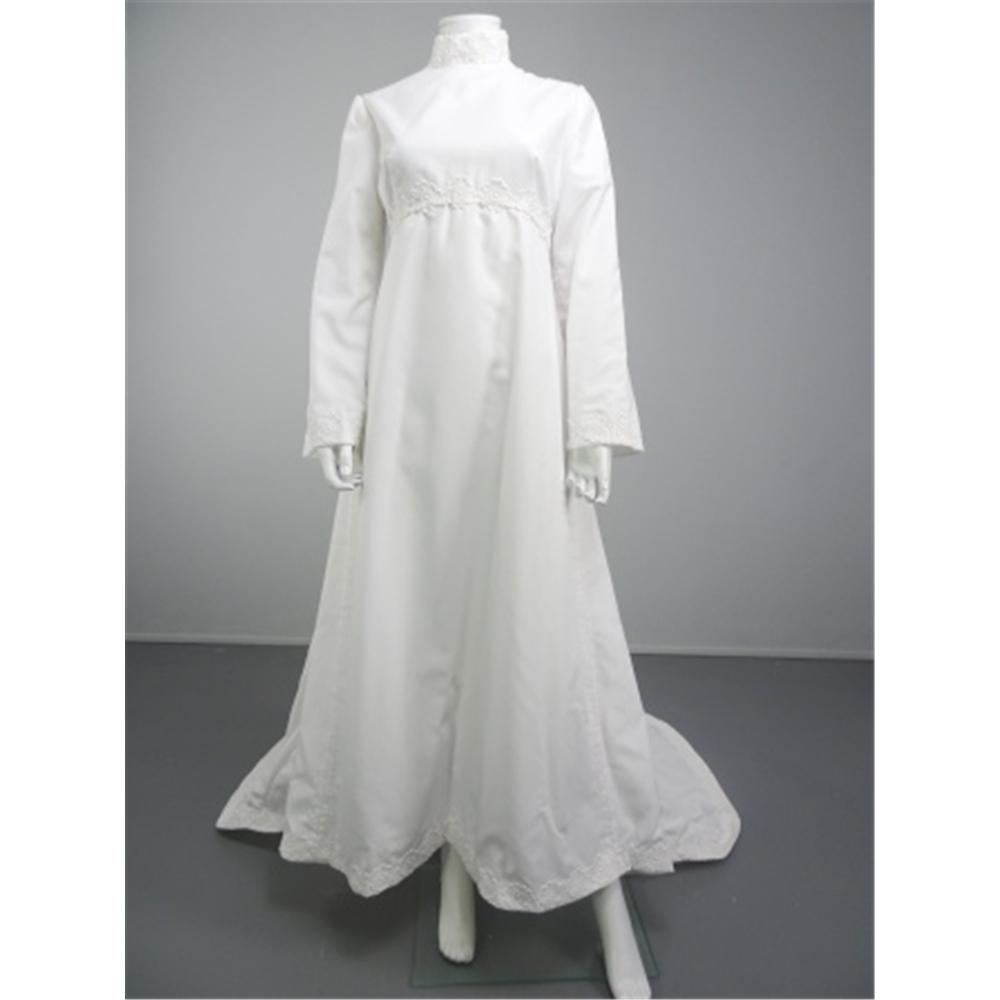 Lovely Handmade Vintage 70's White Size 10 Wedding Dress