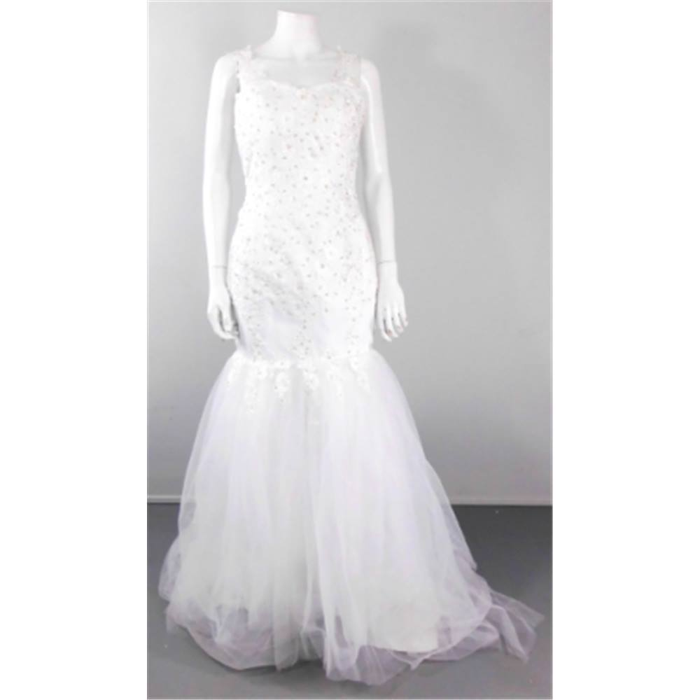 Unbranded Size 10 Gorgeous White Fish Tail Wedding Gown | Oxfam GB ...