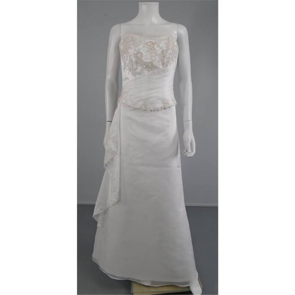Two piece maggie sottero couture size 10 white wedding for Oxfam wedding dress shop