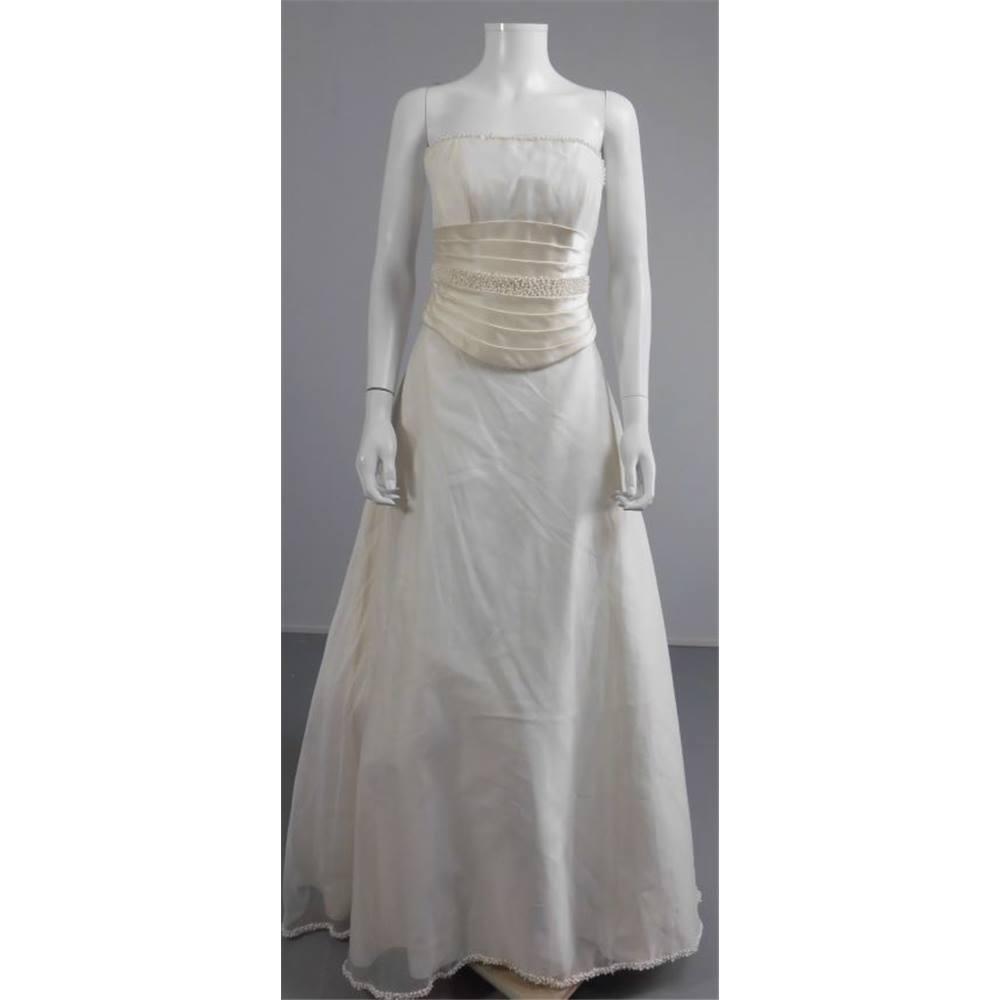 Two piece tracy connop 39 nancy 39 size 10 ivory wedding dress for Oxfam wedding dress shop