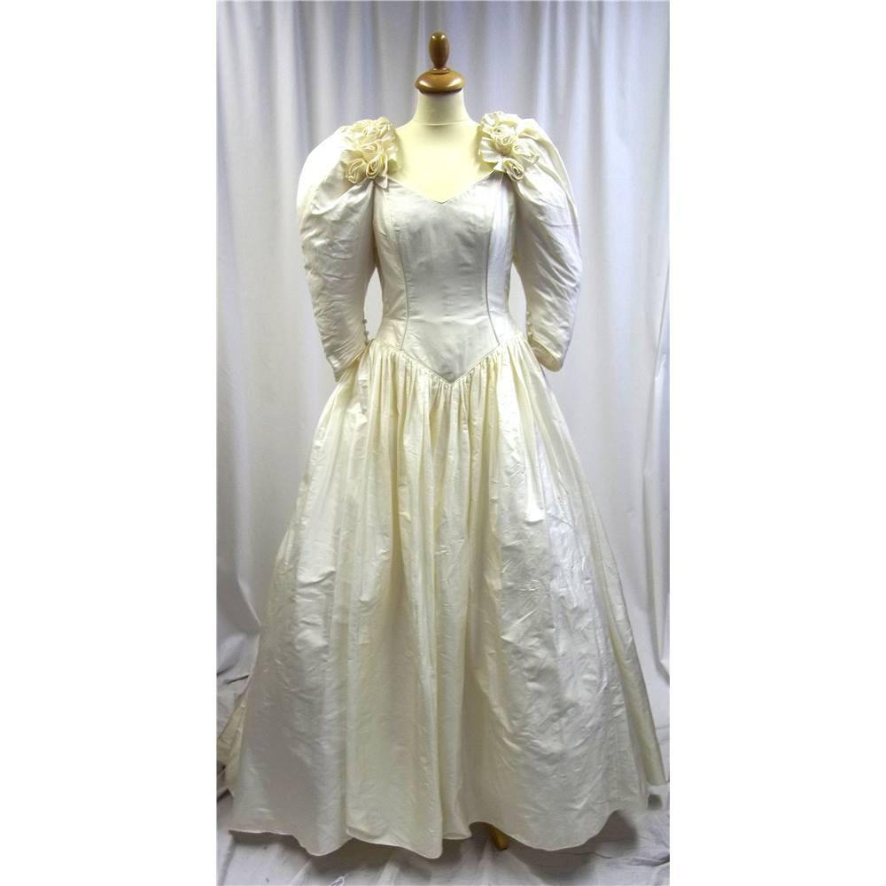 Catherine Rayner - London - Size: 14 - Cream - Wedding dress | Oxfam ...