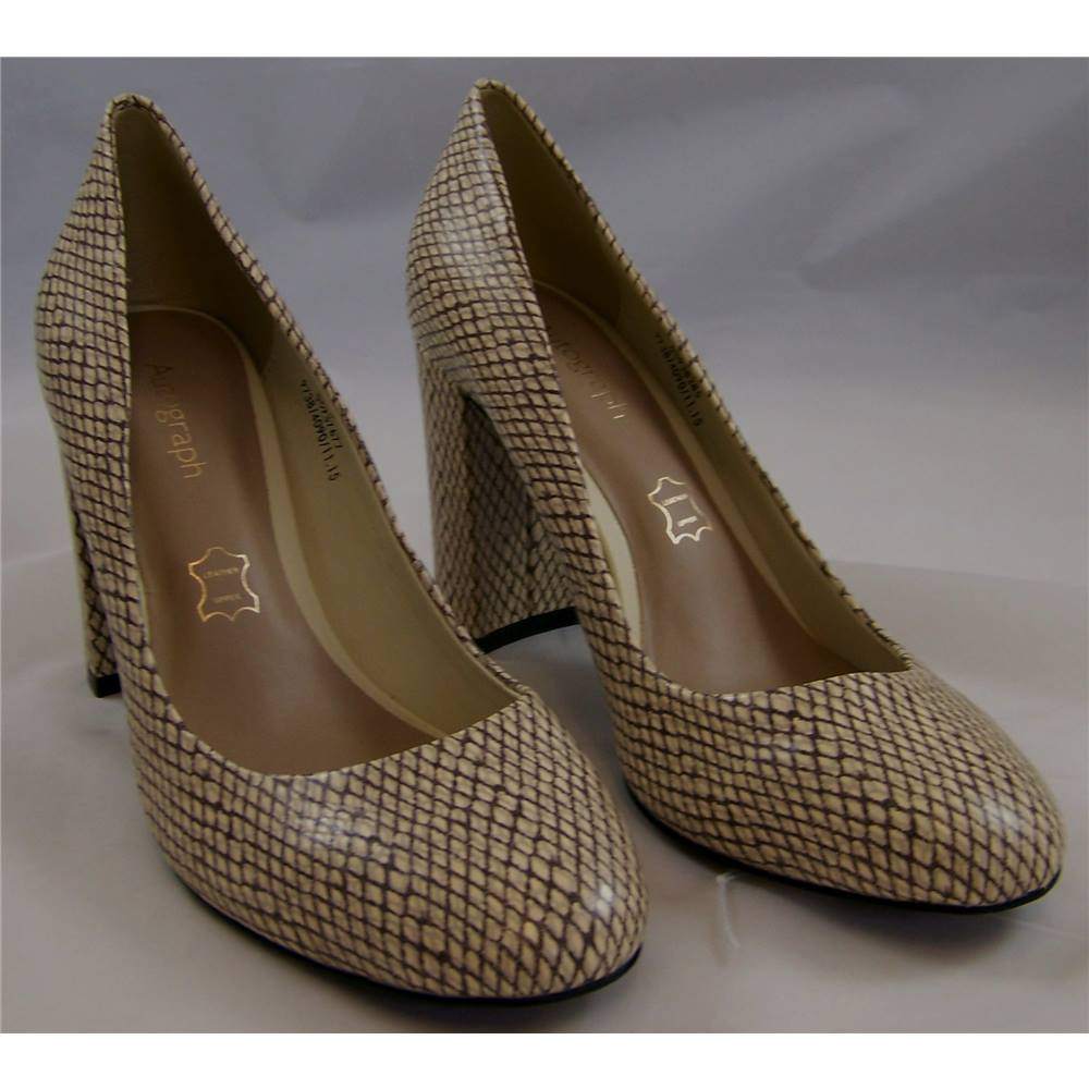 2a339fb9a M S Marks   Spencer Autograph Insolia - Size  3.5 - Cream SnakeSkin - Court  shoes. Loading zoom