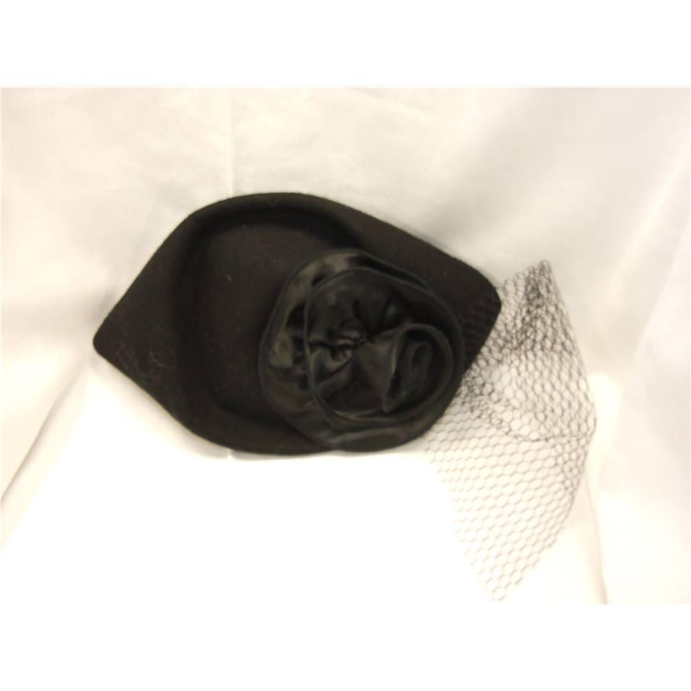 fe8960cbe7c  Unbranded Black Pillbox Hat