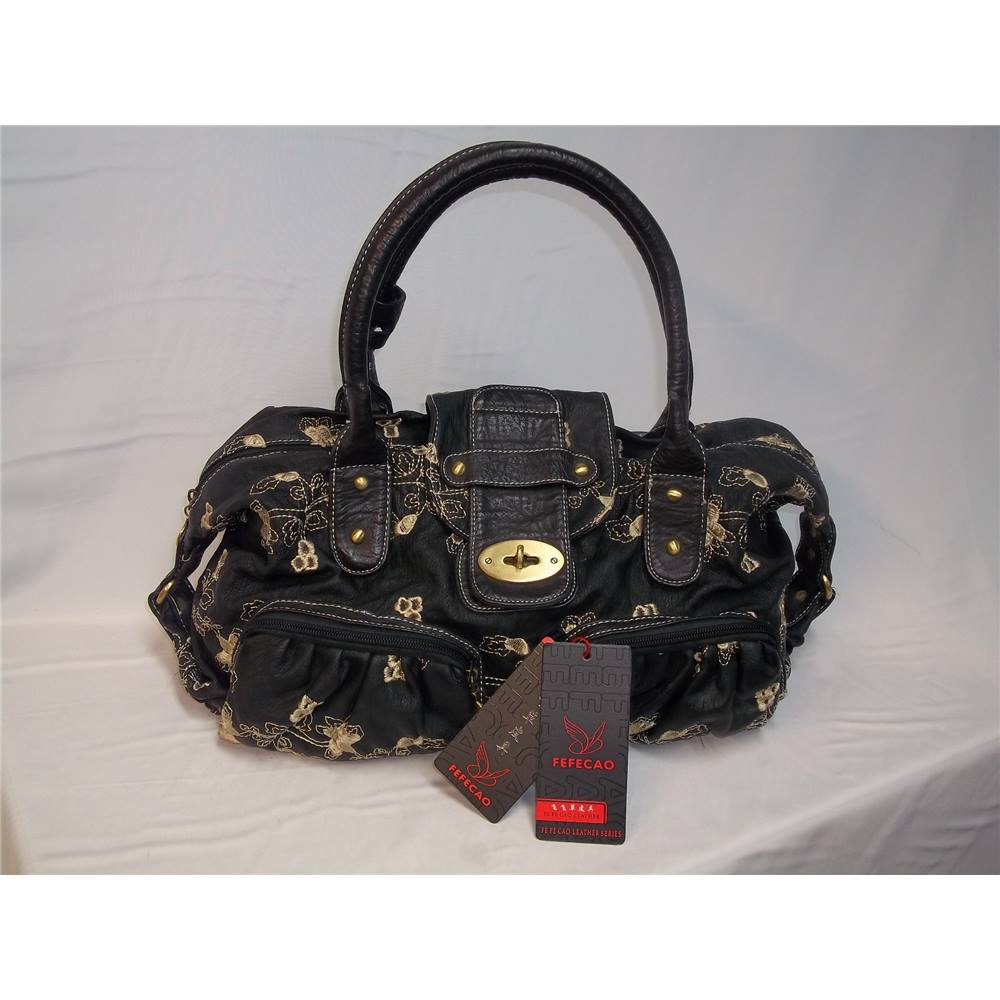BNWT Fefecao Leather Series Black Shoulder Bag. Loading zoom 021b231a22a49