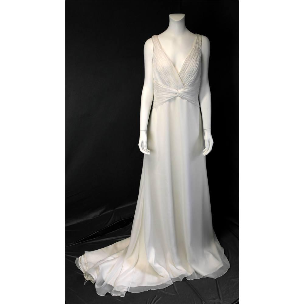 Bnwt la sposa size 16 ivory wedding dress la sposa size for Oxfam wedding dress shop