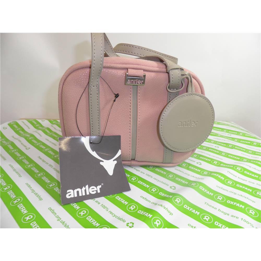 It Luggage Weightless Travel Bag Medium Size