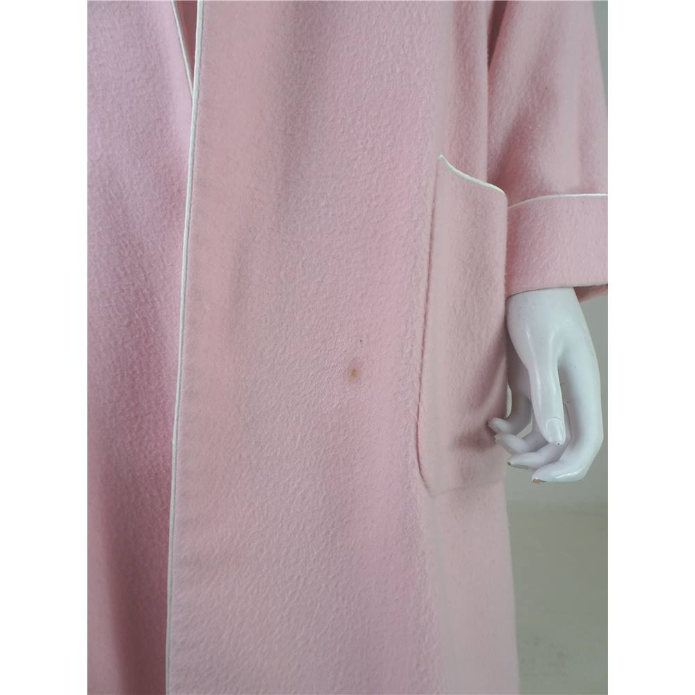 Brooks Brothers Size S 100% Cashmere   Silk House Coat. Loading zoom.  Rollover to zoom 846e0e242
