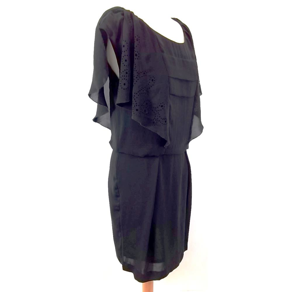 Preview of the first image of COMPTOIR DES COTONNIERS - Size: 38 - Black - Knee length dress.