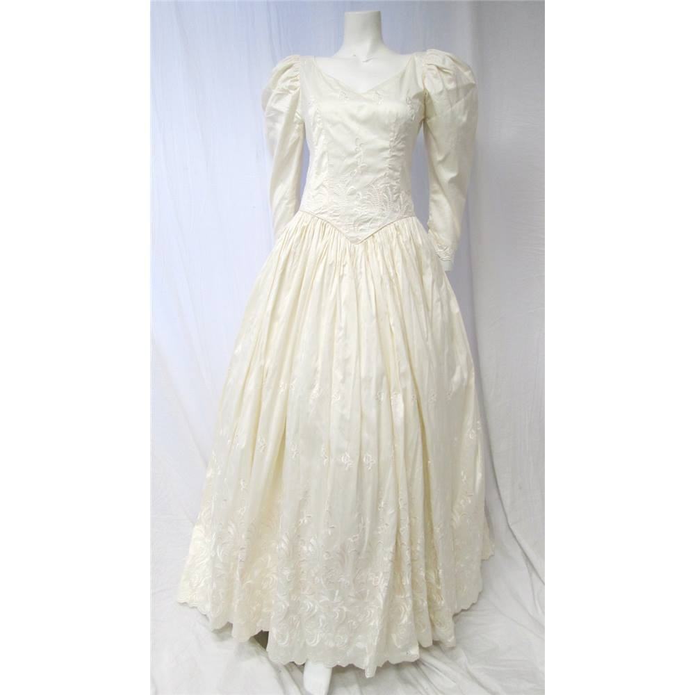 Romantica of Devon Size 10 Pure Silk Wedding Dress Romantica - Size ...