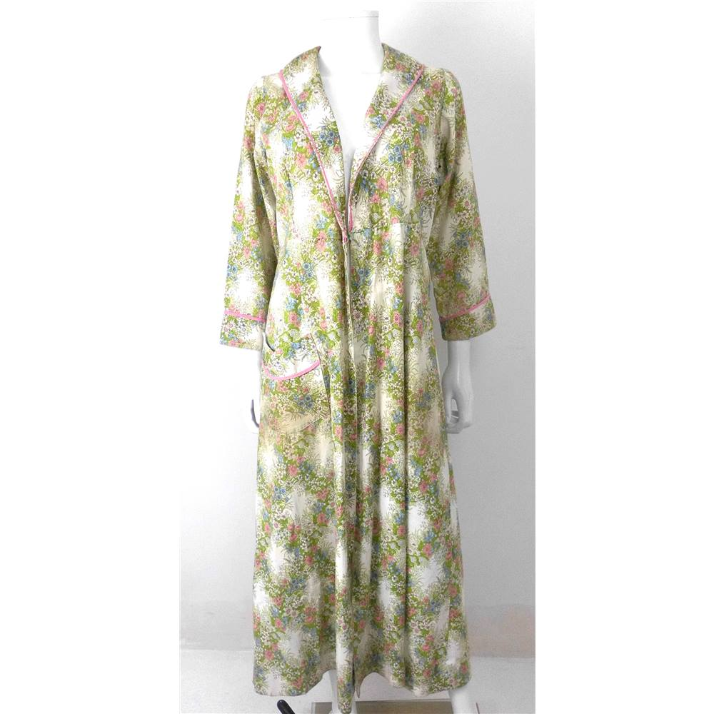 Vintage Early 1960s Circa Floral Dressing Gown/ House Coat | Oxfam ...