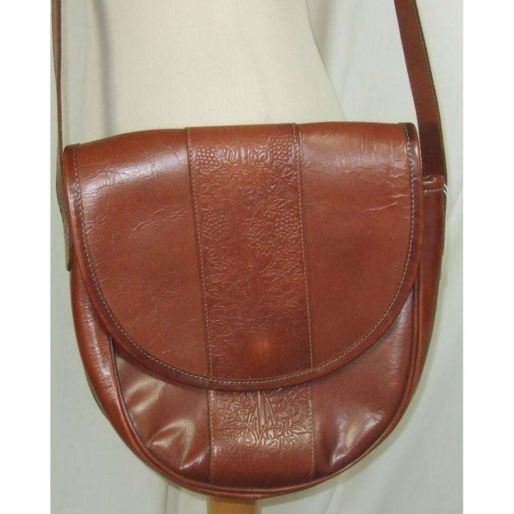866c1d4576 Past Times - Size  Medium - Brown - Messenger bag