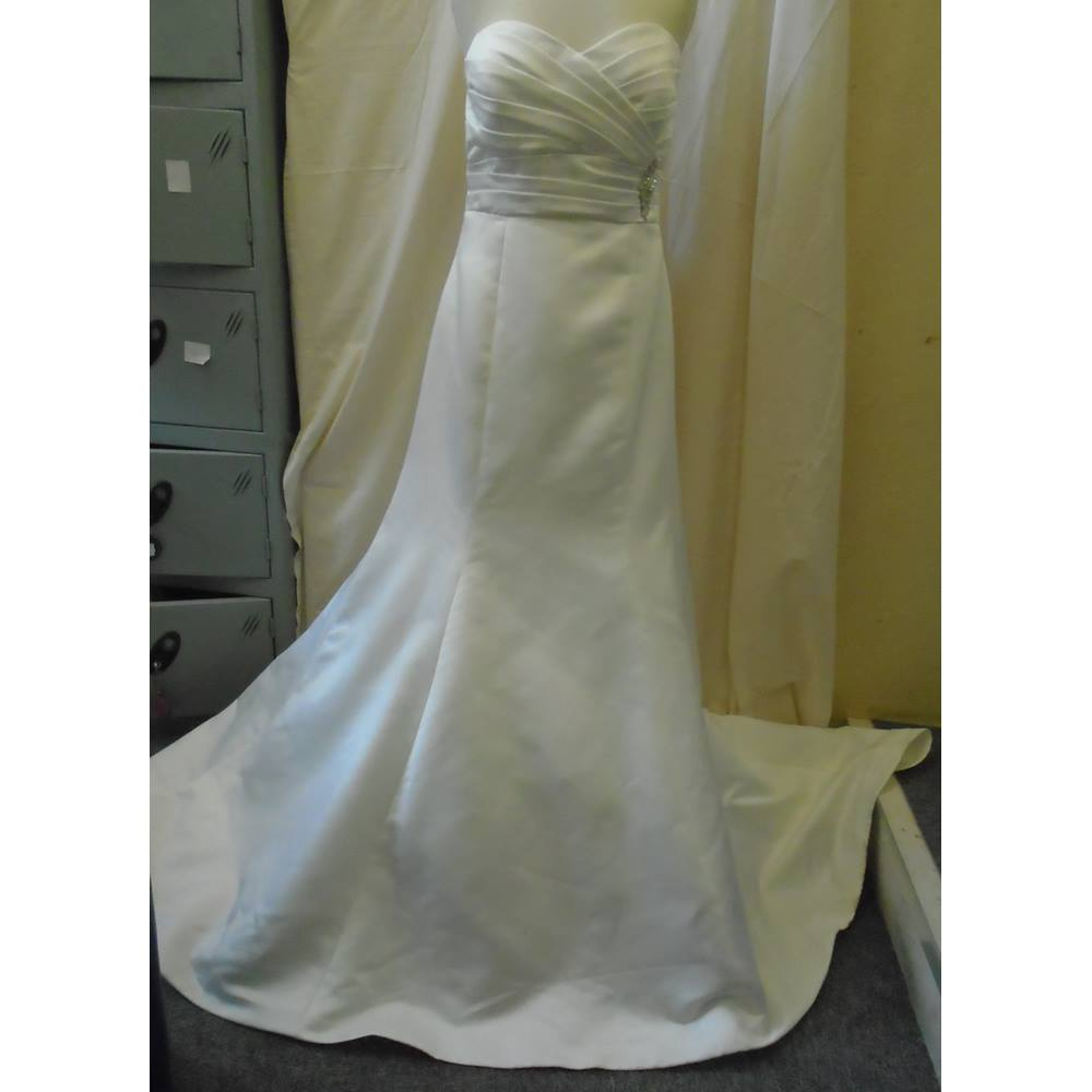 Wedding Dresses Size 14 Cream
