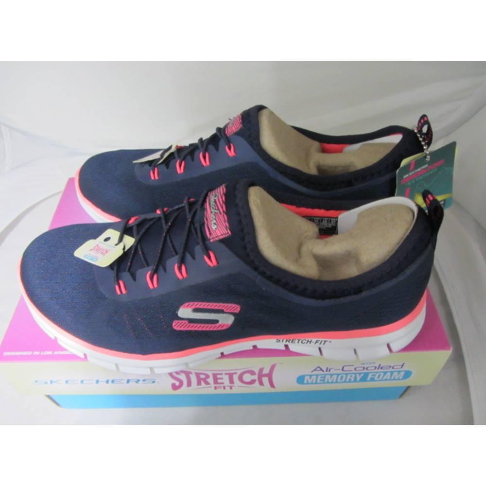 Skechers - Size  5 - Blue  530dece45