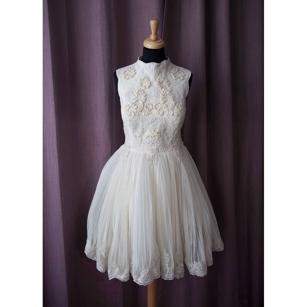 Cream Wedding Gown: Ted Baker, Cream Wedding Dress, Size 12 (Ted Baker Size 4
