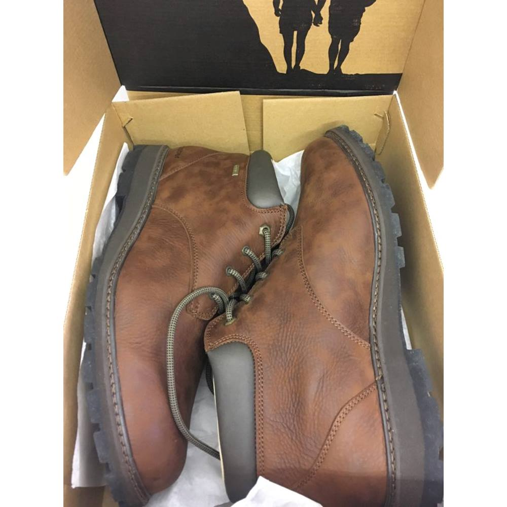 990cefd2ce03f BRASHER Men's Country Traveller Walking Boot Brasher - Size: 12 - Brown.  Loading zoom. Rollover to zoom