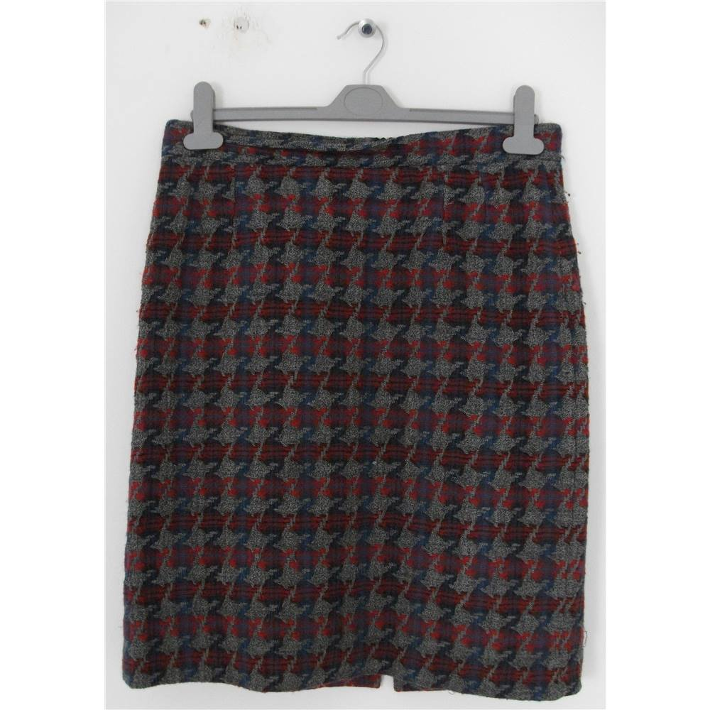 d06fa5a6156d Grey Wool Knee Length Skirts | Huston Fislar Photography