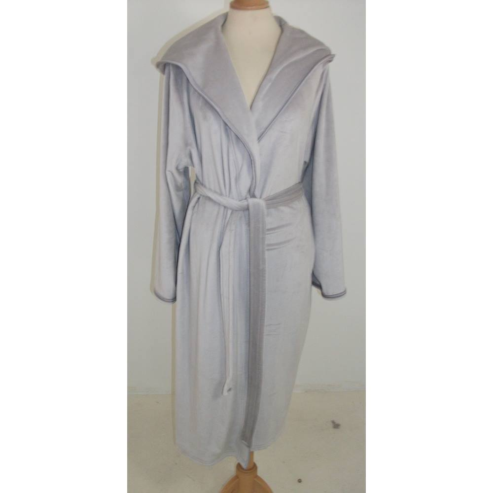 Marks   Spencer Autograph Silver Grey Velour Dressing Gown with Hood Size  16 - 18. Loading zoom e06fc3ebe