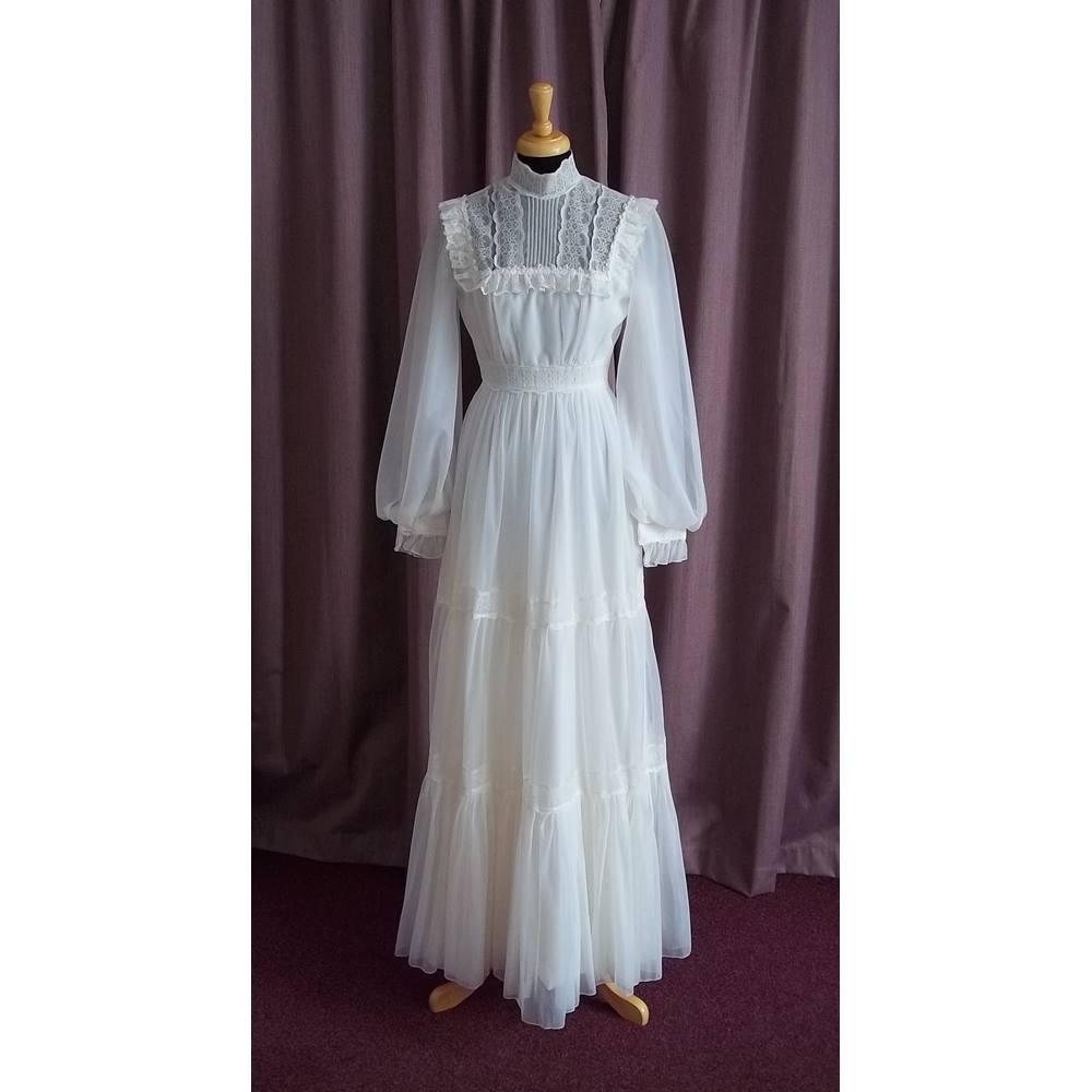 Vintage Wedding Dress Size 8: Berketex, Vintage Long Sleeve Wedding Dress Size 8