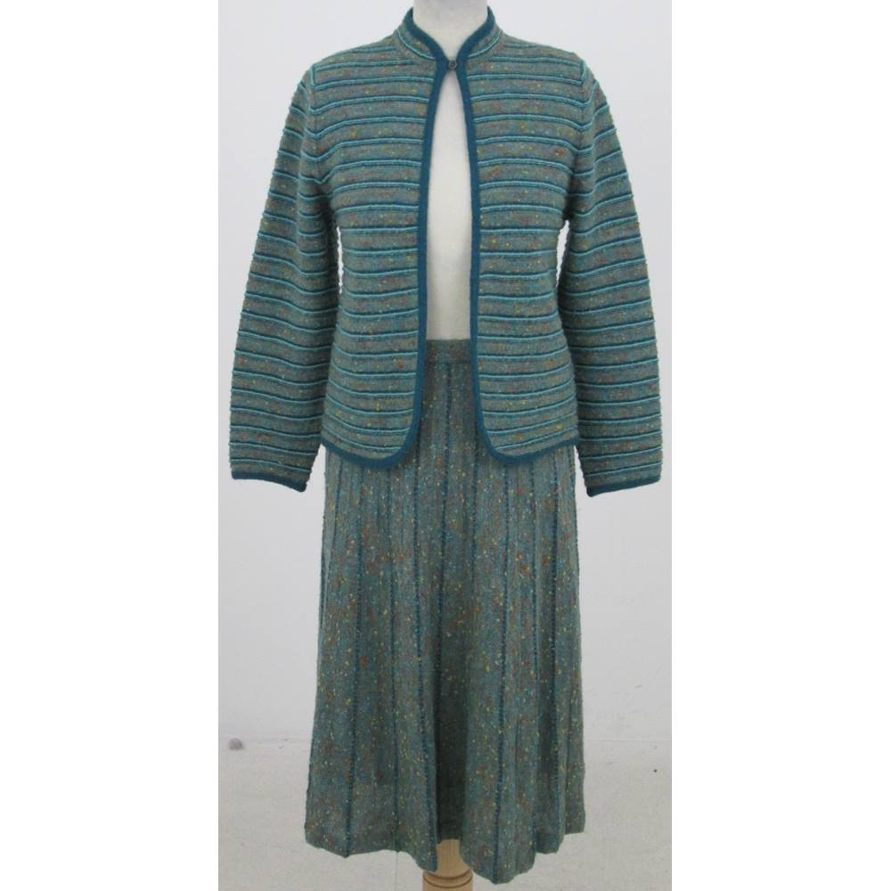 10f81d5b6dfe Vintage Tricoville Size 10 grey-green cardigan skirt suit