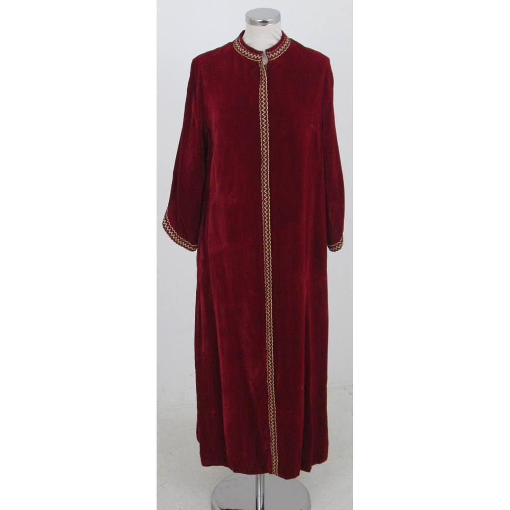 Vintage 70s Marlow Size:M red velvet kaftan/dressing gown | Oxfam GB ...
