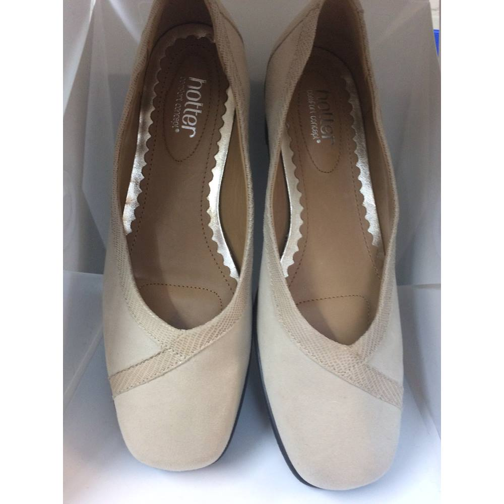 db6622ec341 Hotter Shoes Hotter - Size  5.5 - Cream - Flat shoes