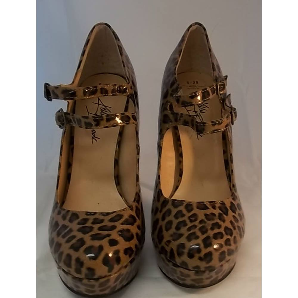 1ac6fba0fa48 New Look - Size: 6 - Brown Animal Print - Platform Court shoes ...
