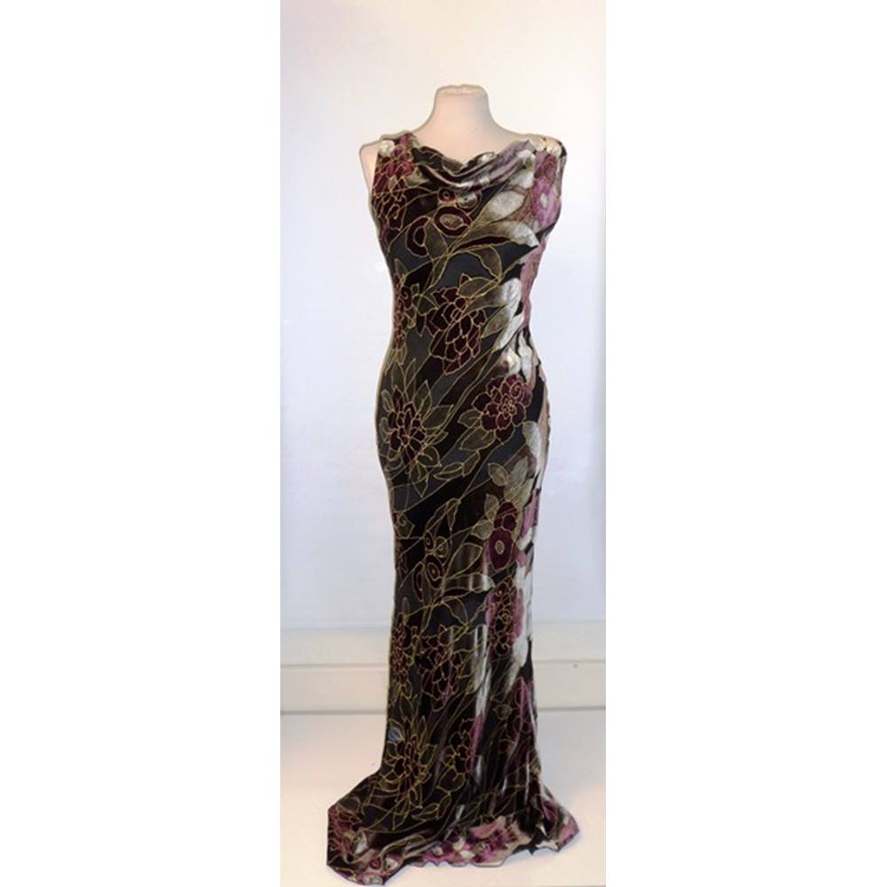 b4756fc1b0 CONSORTIUM PLUM & GOLD VELVET DÉVORÉ EVENING DRESS. Loading zoom