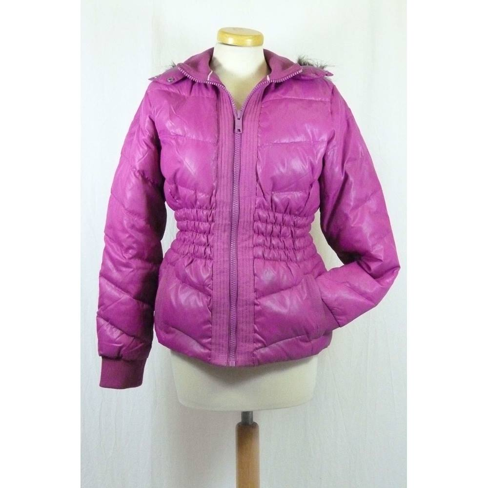 654a7d4c4acf Hooded Puffer Jacket from DKNY Jeans in a Small Size | Oxfam GB ...