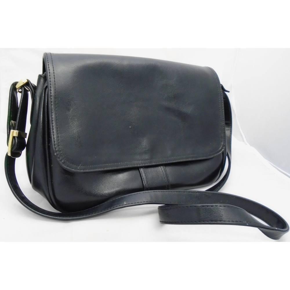 Jane Shilton Sw6 Black Leather Cross Body Flap Over Handbag Loading Zoom