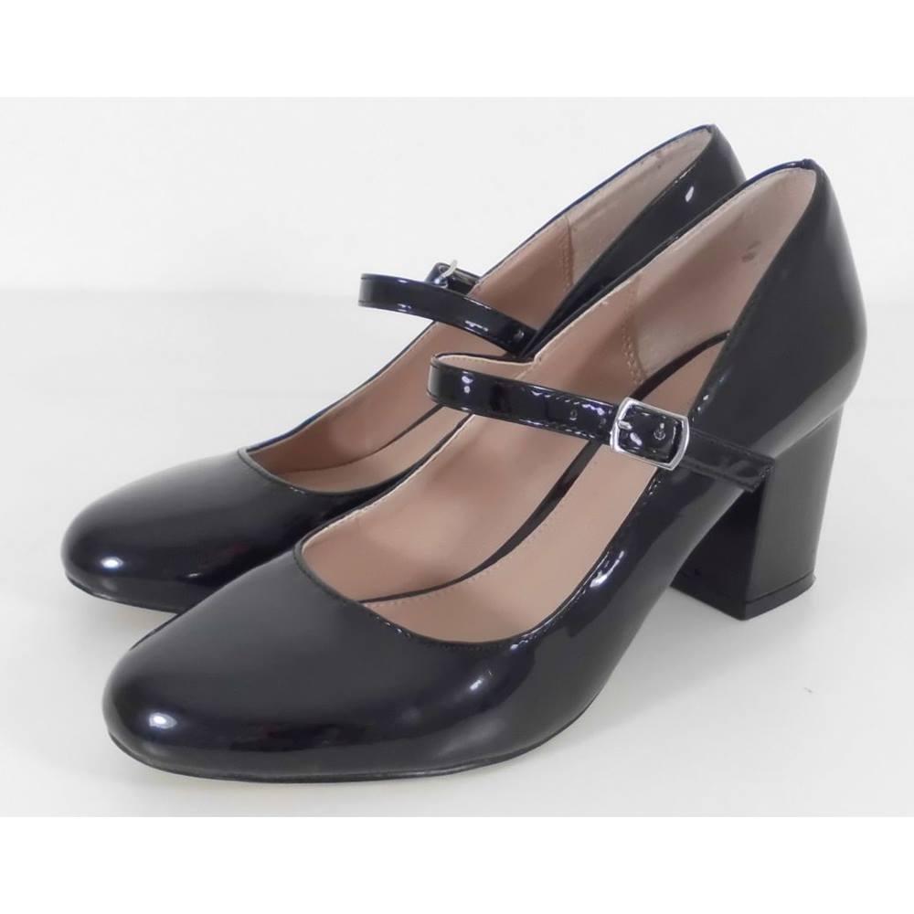 3cf5a8ef6c24f Carvela Kurt Geiger Size 5 Black Patent Mary Jane Shoes   Oxfam GB    Oxfam's Online Shop
