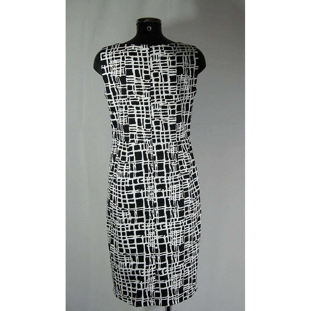 c2133e397d9 Rivette   Blair Black and white print dress-Size 12