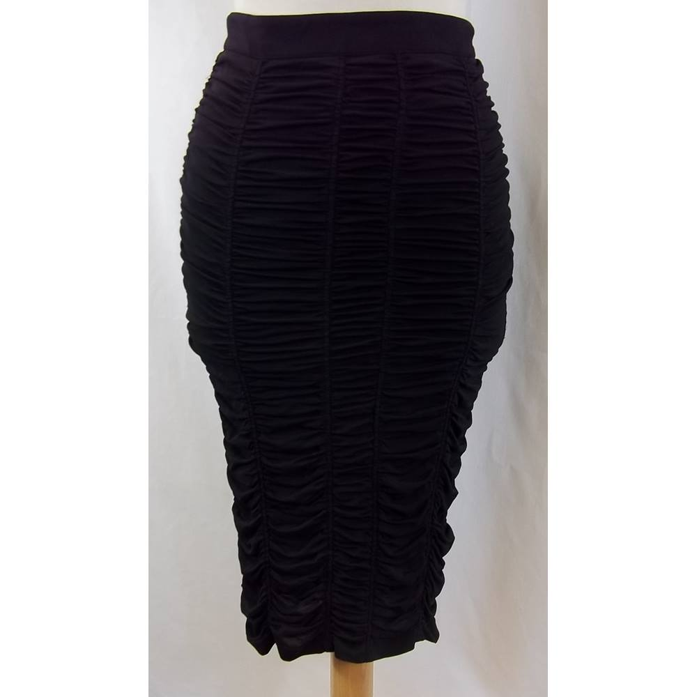 1c392b5cd8 Burberry London - Size: 4 - Black - Knee length skirt | Oxfam GB ...