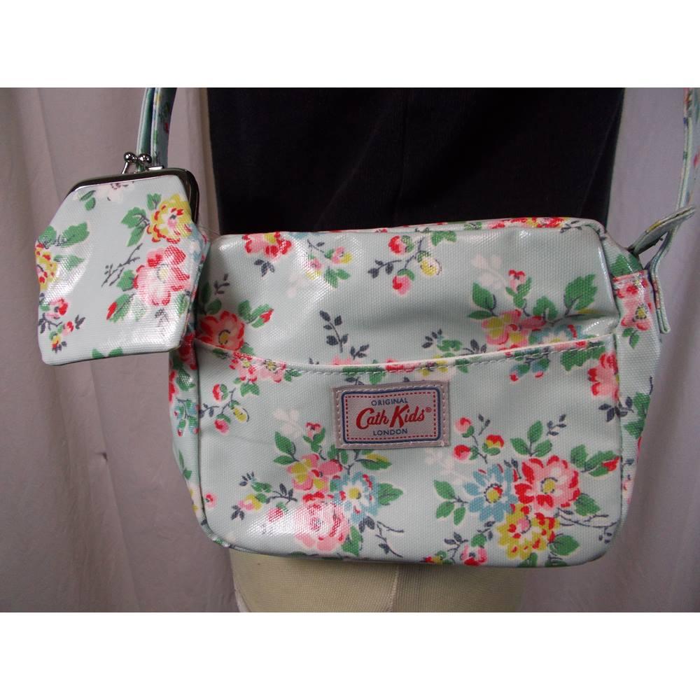 3bf663f7ce01 BNWT Cath Kidston Kids London small shoulder bag