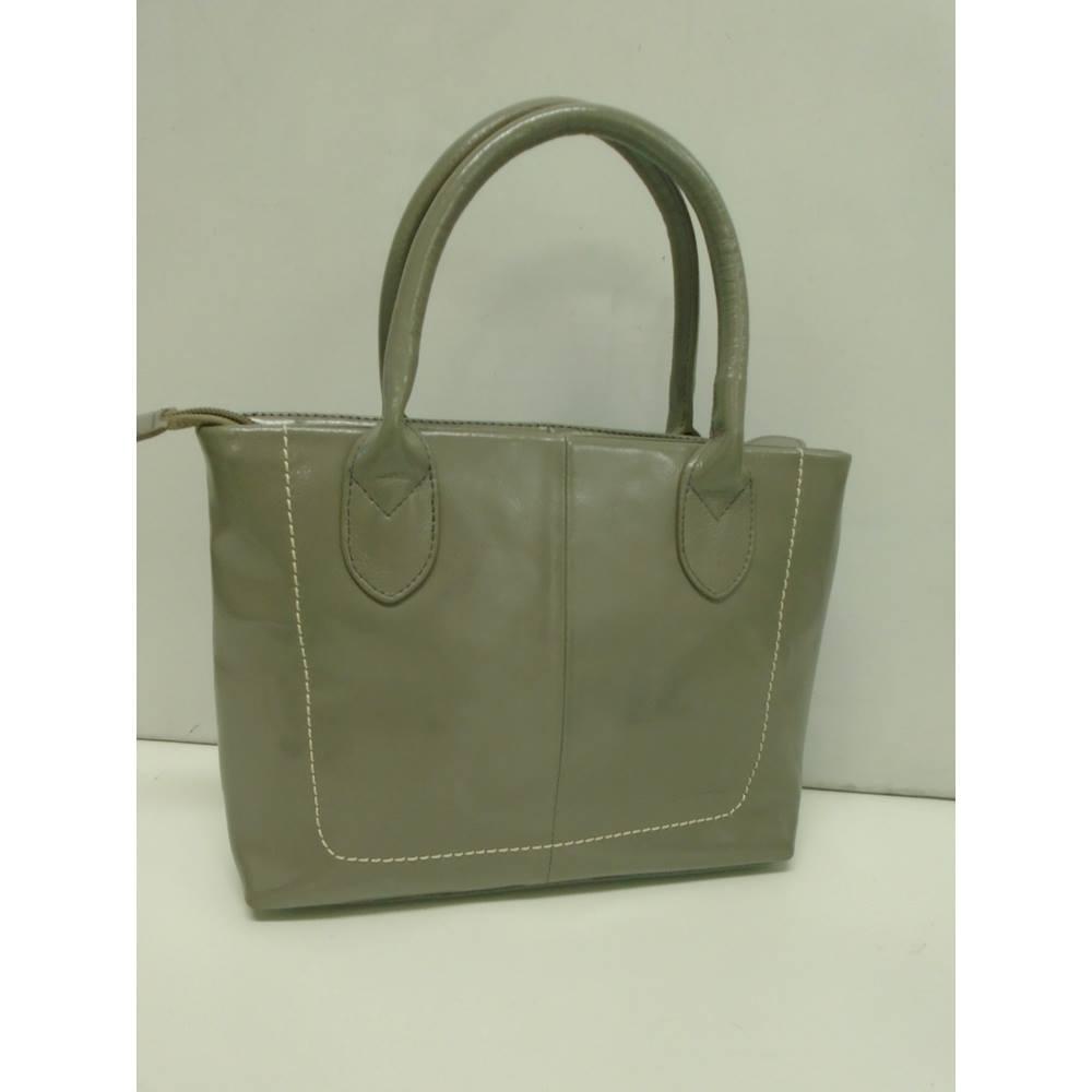Osprey By Graeme Ellisdon Size One Grey Handbag