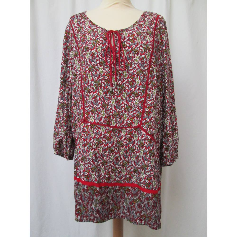 c3b37fde80d Laura Ashley - Size: 14 - Red with white, green and grey floral tunic top