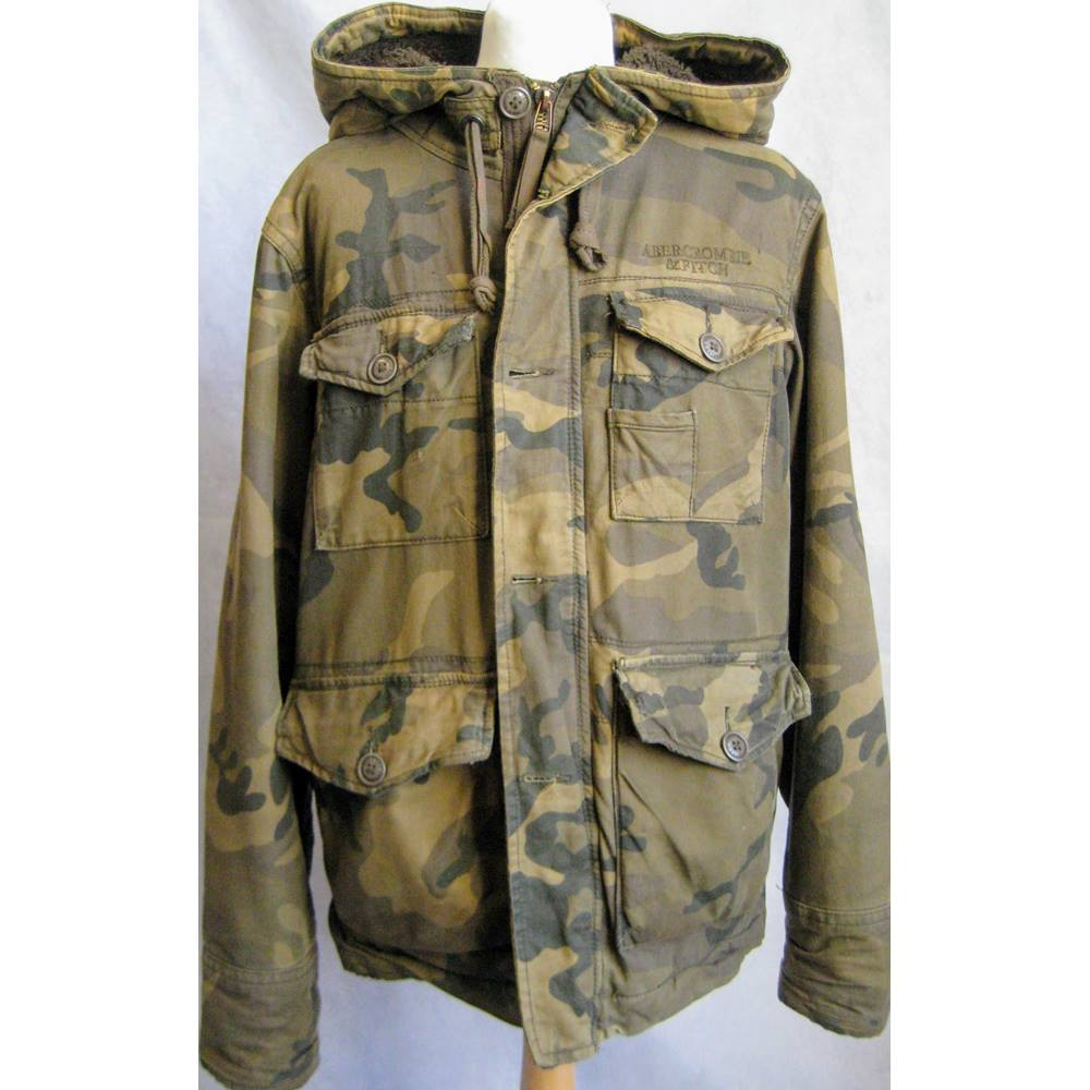f59cd7dcff090 Abercrombie & Fitch New York hooded camouflage jacket L Abercrombie & Fitch  New York - Size. Loading zoom