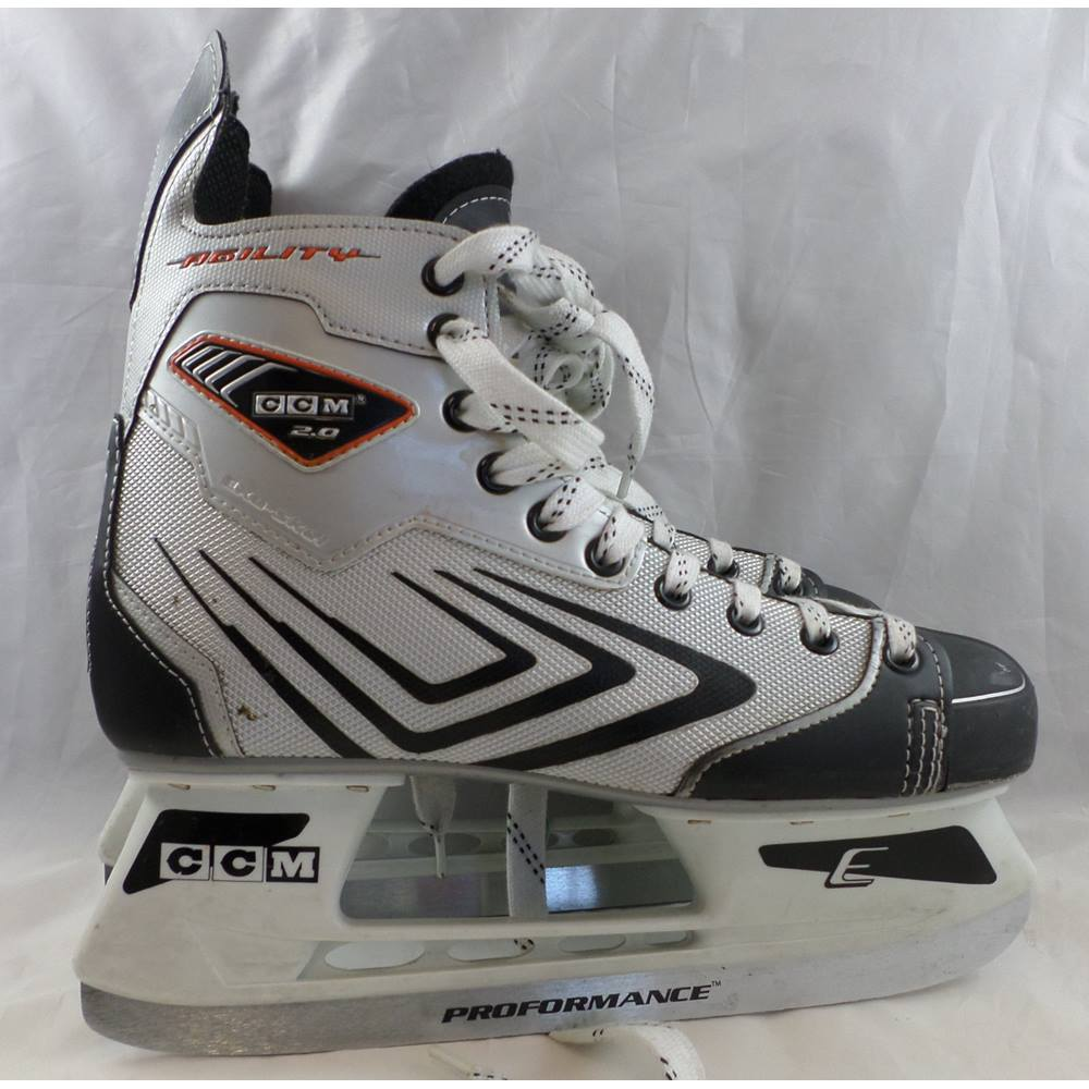 Ice Hockey Youth Ccm Tacks 5 Trainers4Me