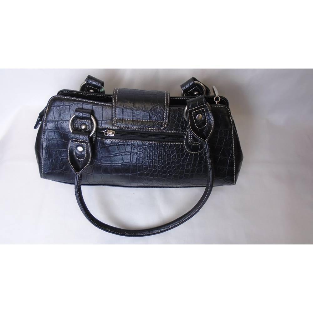 Chic Charlotte Reid Black Leather Handbag Size Not Specified Loading Zoom