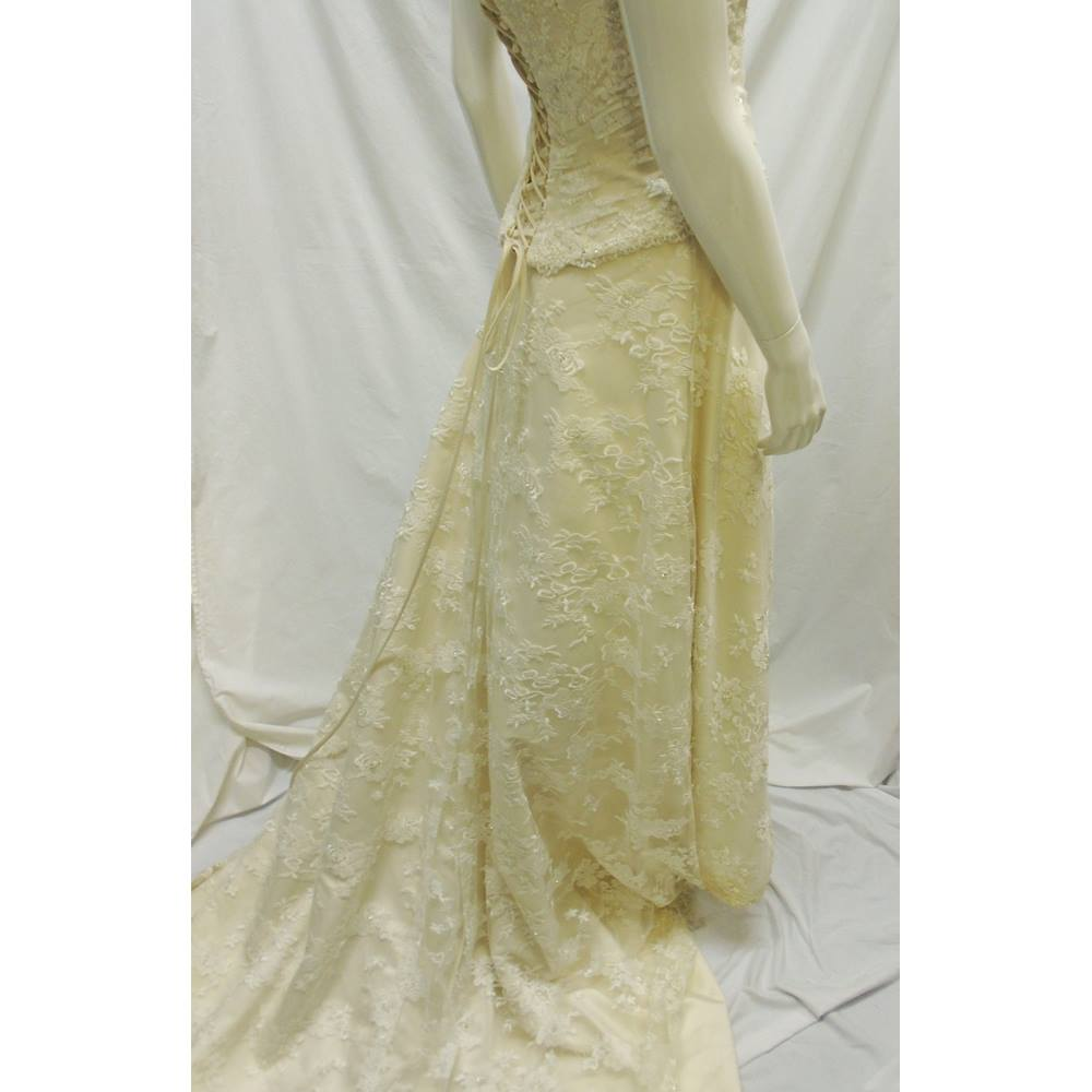Charlotte Balbier - Size: 8 - Cream / ivory - Wedding dress | Oxfam ...