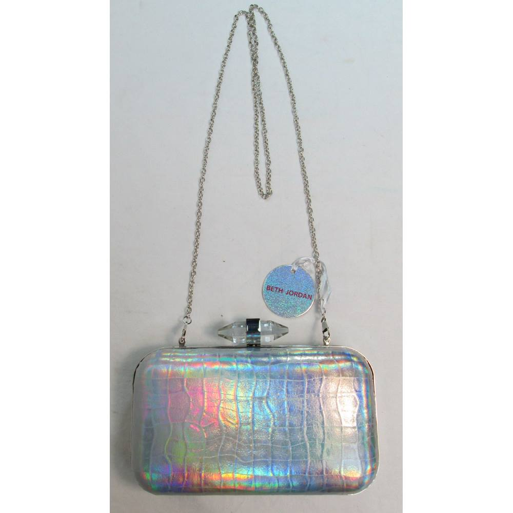 b3246ba1ef61 Beth Jordan - Clutch bag with chain Brand New