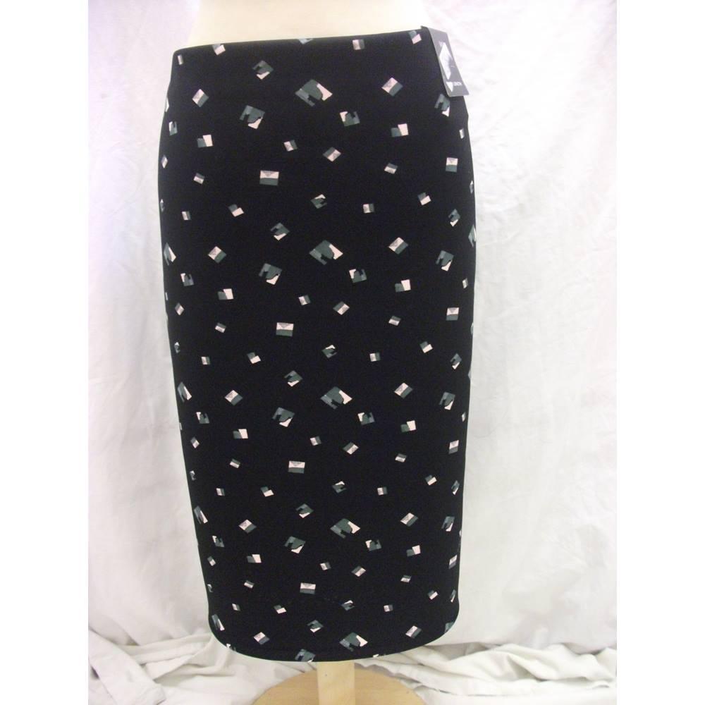 f837b059c5baa NEW M S Ladies Skirt - Size  20 - Black - Knee length skirt. Loading zoom